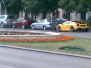 Lamborghini Gallardo spalat cu galeata