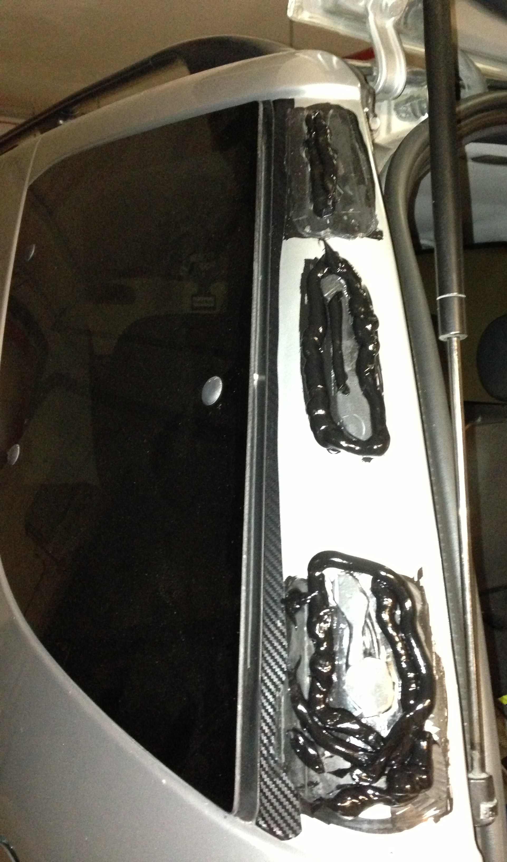 W163 MercedesBenz ML Reattaching DPillar cover     Page